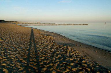 Strand im Sonnenuntergang auf dem Darss