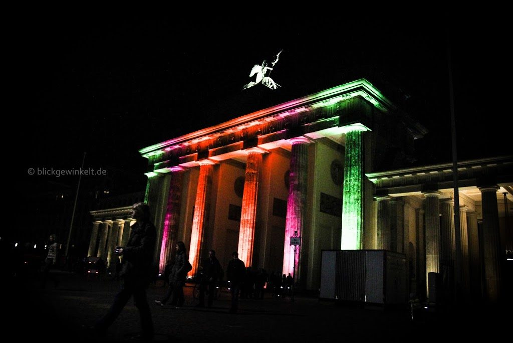 Festival of Lights: Das Brandenburger Tor bunt angeleuchtet