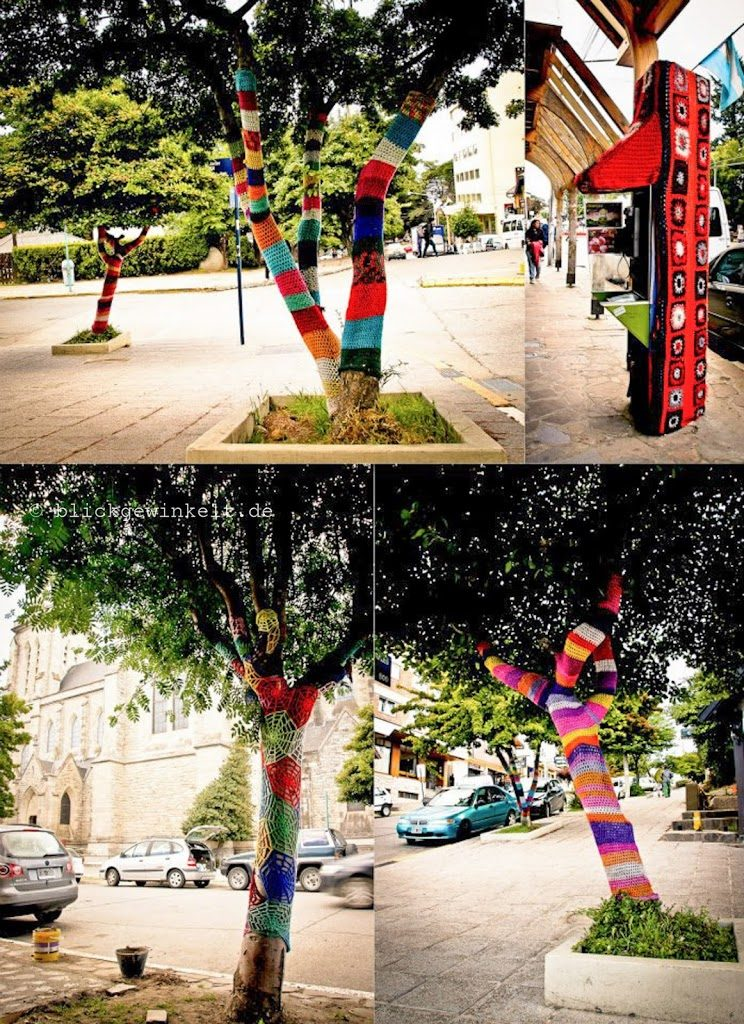 Umhäkelte Bäume in Bariloche, Argentinien