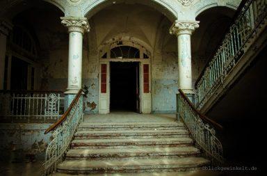 Eingang des Männersanatoriums Beelitz-Heilstätten