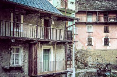Balkone an alten Häusern
