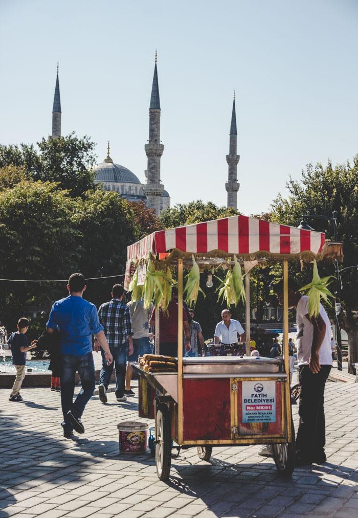 Streetfood vor der blauen Moschee