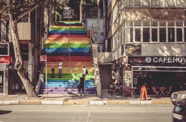 Regenbogentreppe in Istanbul