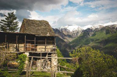 Piemonte, Hütte in den Bergen