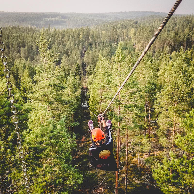 Ziplining in Smaland, Schweden