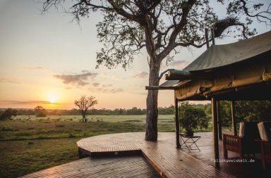 Sonnenuntergang in Südafrika, Gemeinschaftszelt
