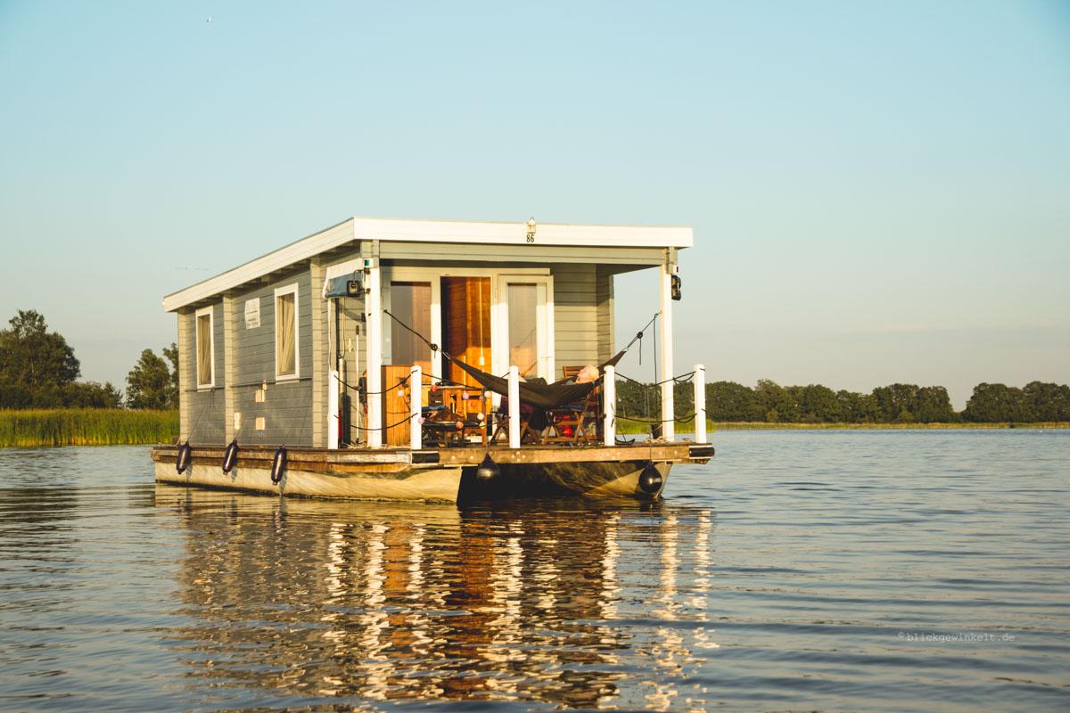 BunBo - das Bungalowboot auf dem Plauer See