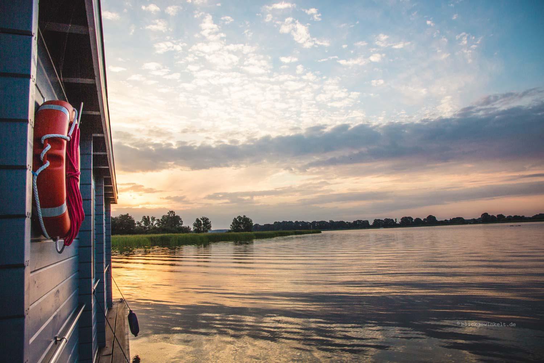 Sonnenuntergang am Hausboot BunBo