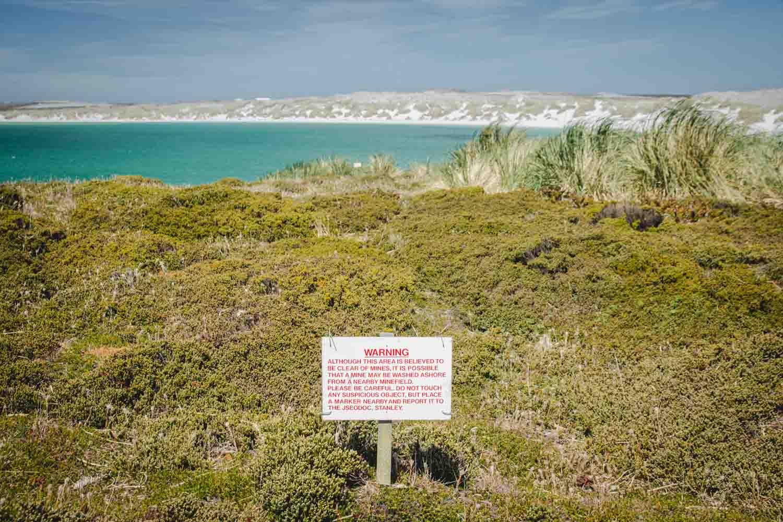 Immer noch gibt es auf den Falklandinseln vermeindlich vermintes Gebiet