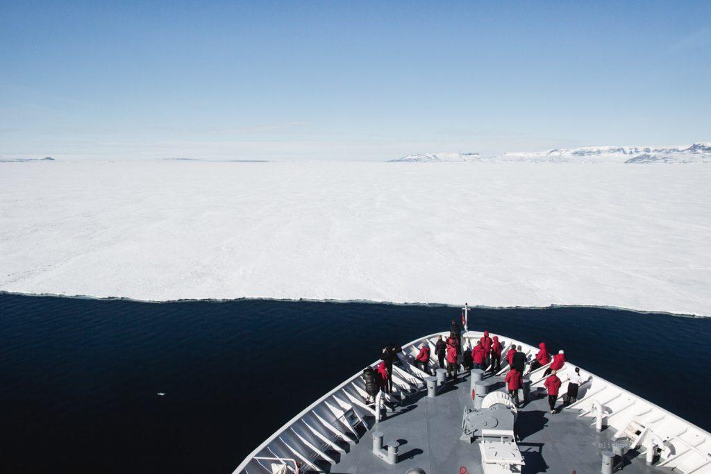Die Ms Hanseatic stößt an de Meereisgrenze.