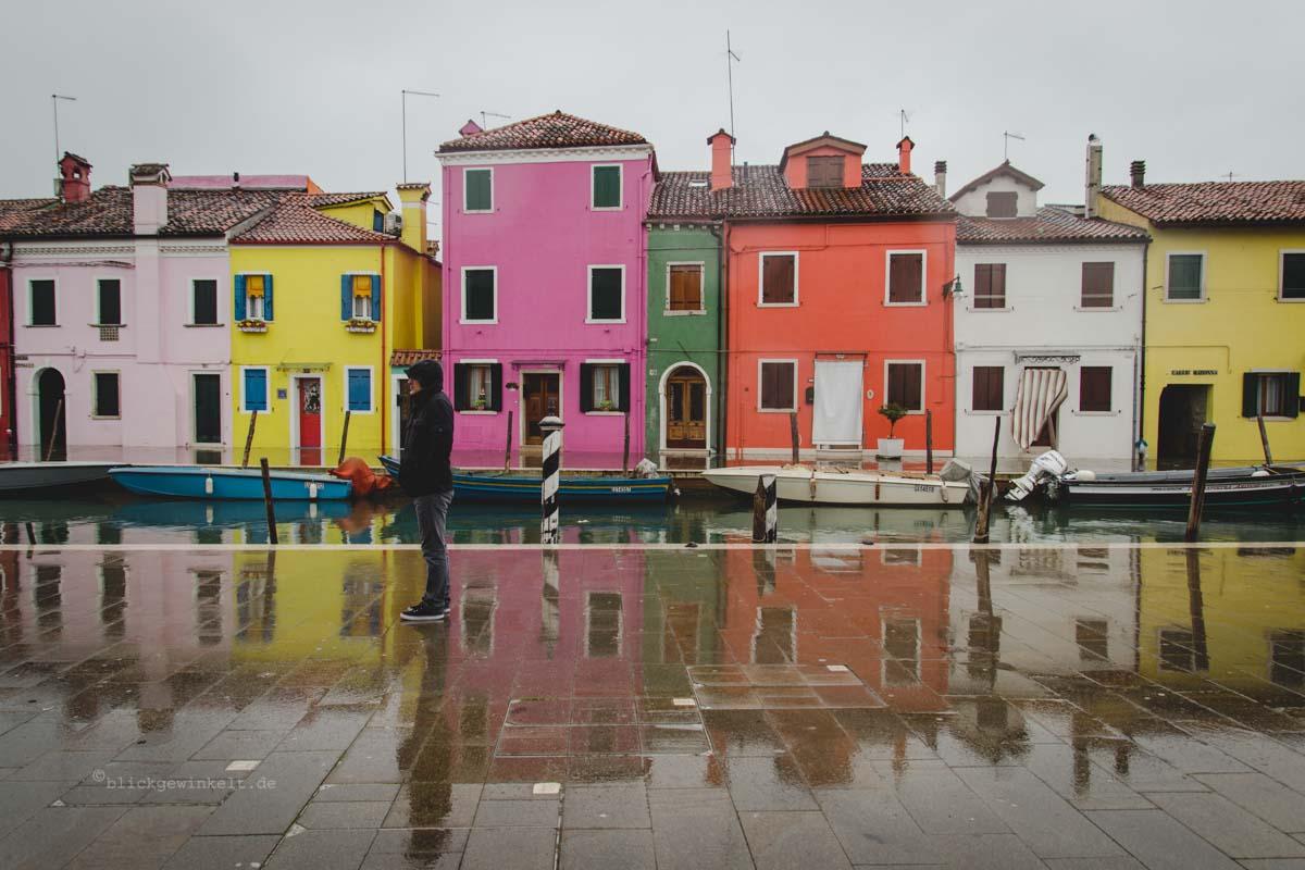 Burano in Venedig bei Regen