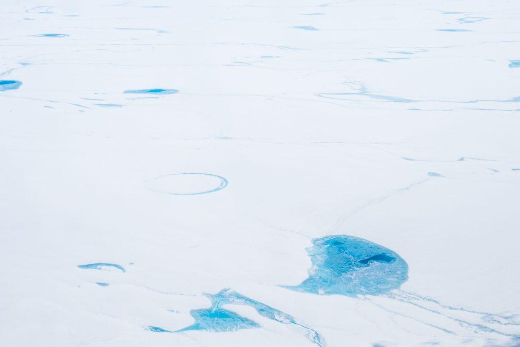 Schmelzseen auf den Inlandeis Grönlands