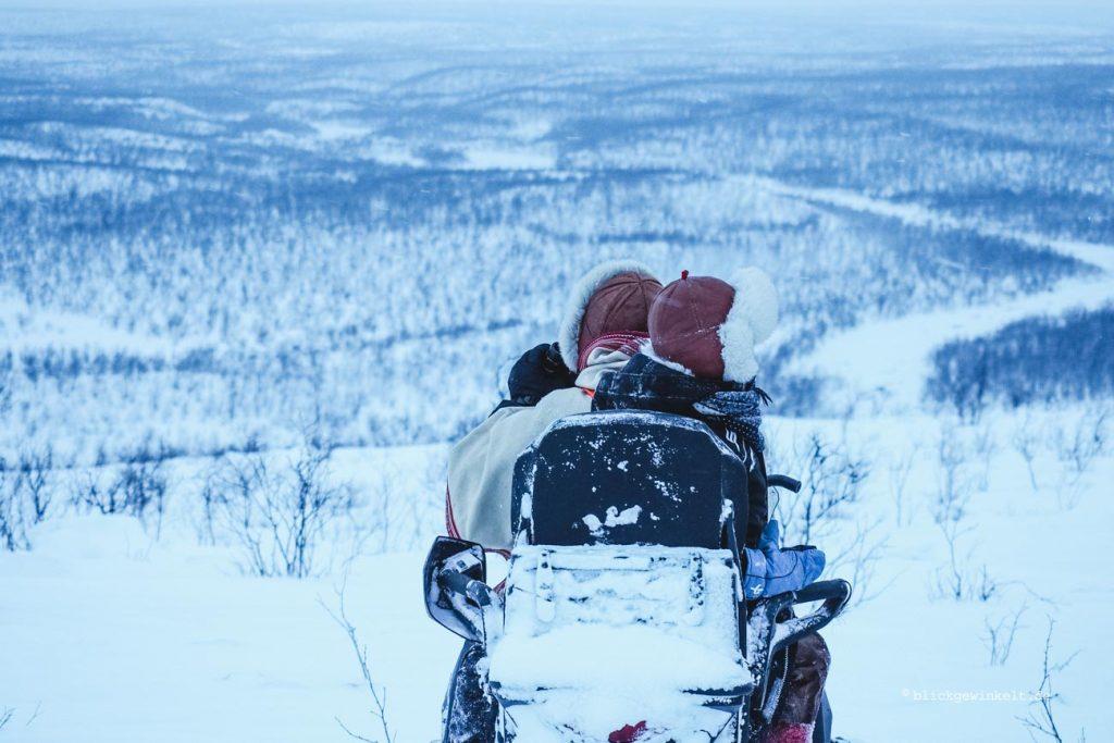 Ausfahrt mit dem Motorschlitten in der Finnmark, Norwegen