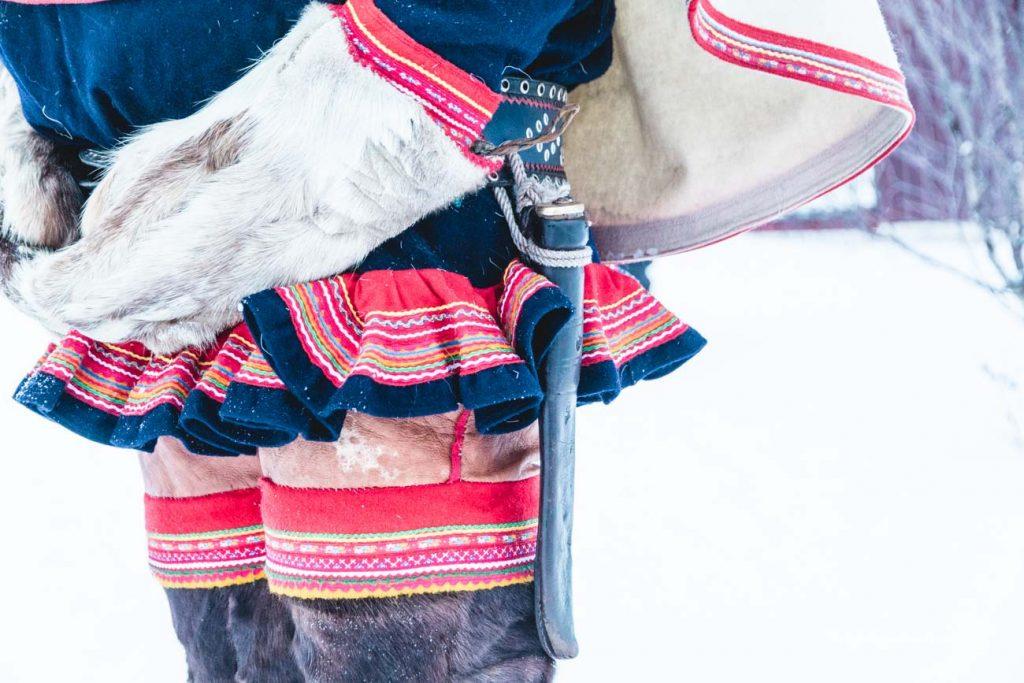Traditionelle Kleidung der Sami