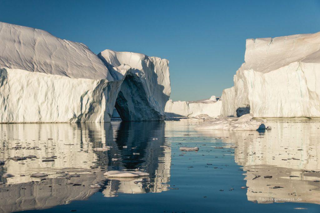 Eisberge im Wasser