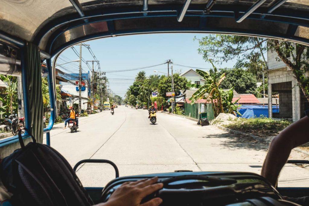 Im Sammeltaxi durch Thailand