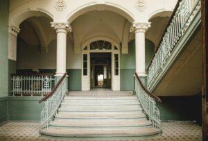 Wo Filme und Legenden entstehen: Drehort & Lost Place Beelitz-Heilstätten in Brandenburg