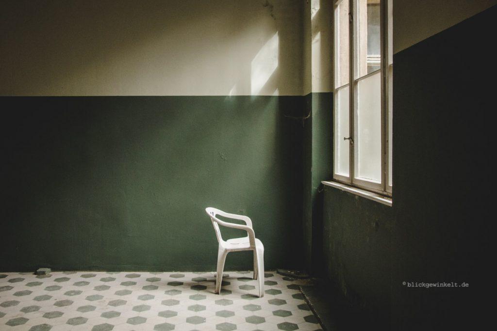 Männersanatorium Beelitz-Heilstätten: Raum mit Fenster