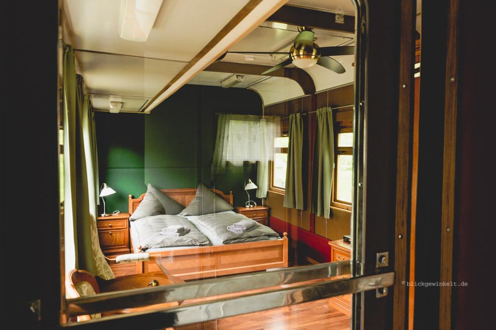 Übernachten im Schlafwagen im Bahnhof Rehagen