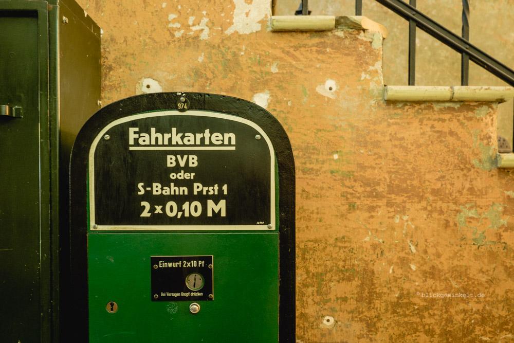 Alter Fahrkartenautomat Bahn