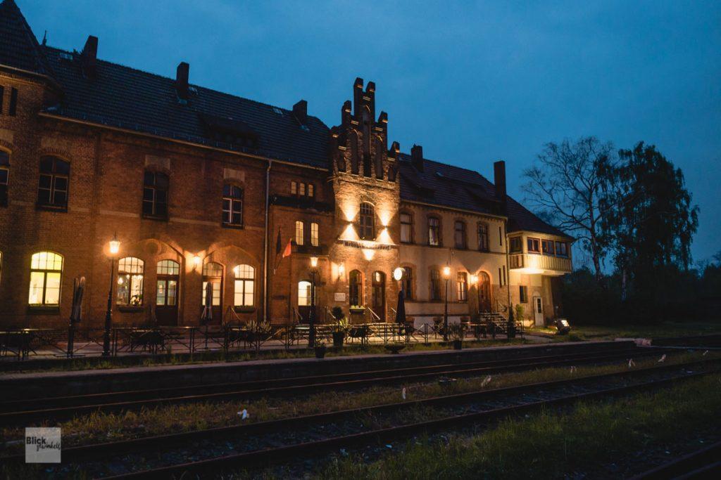 Bahnhof Rehagen bei Nacht