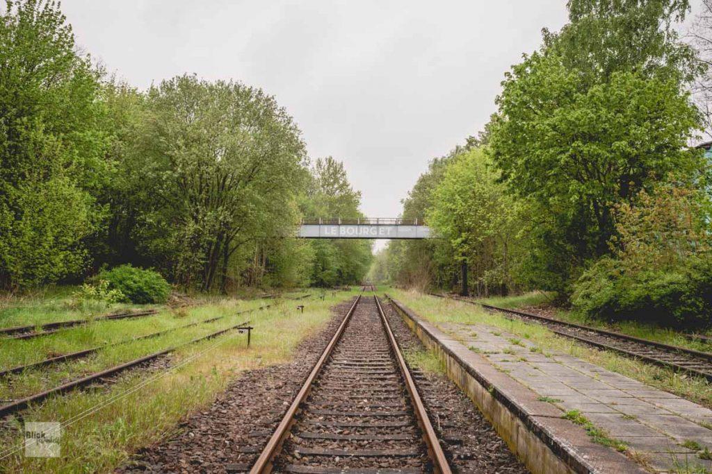 Brücke mit Schriftzug Le Bourget