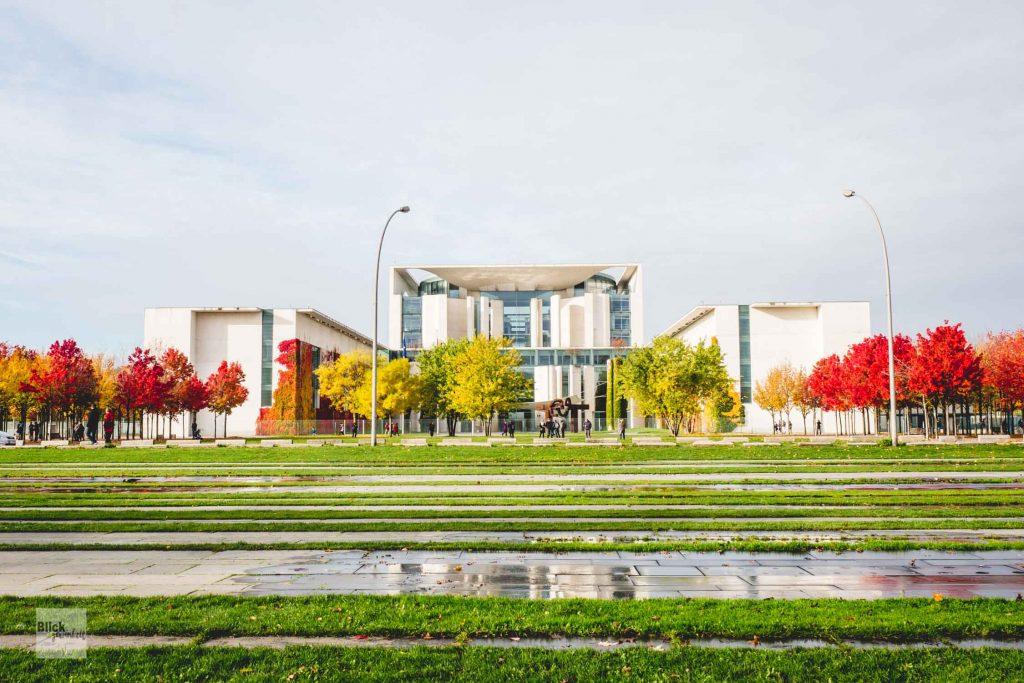 Das Regierungsviertel in Herbstfarben