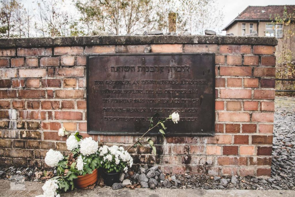 Gedenktafel am Mahnmal Gleis 17 in Berlin-Grunewald