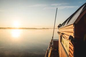 Glücklichmacher Langsamkeit: Auf dem Hausboot die Havel entlang