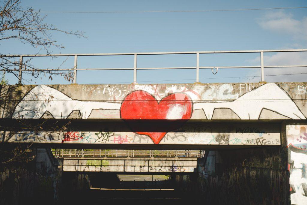 Graffiti Herz mit Flügeln