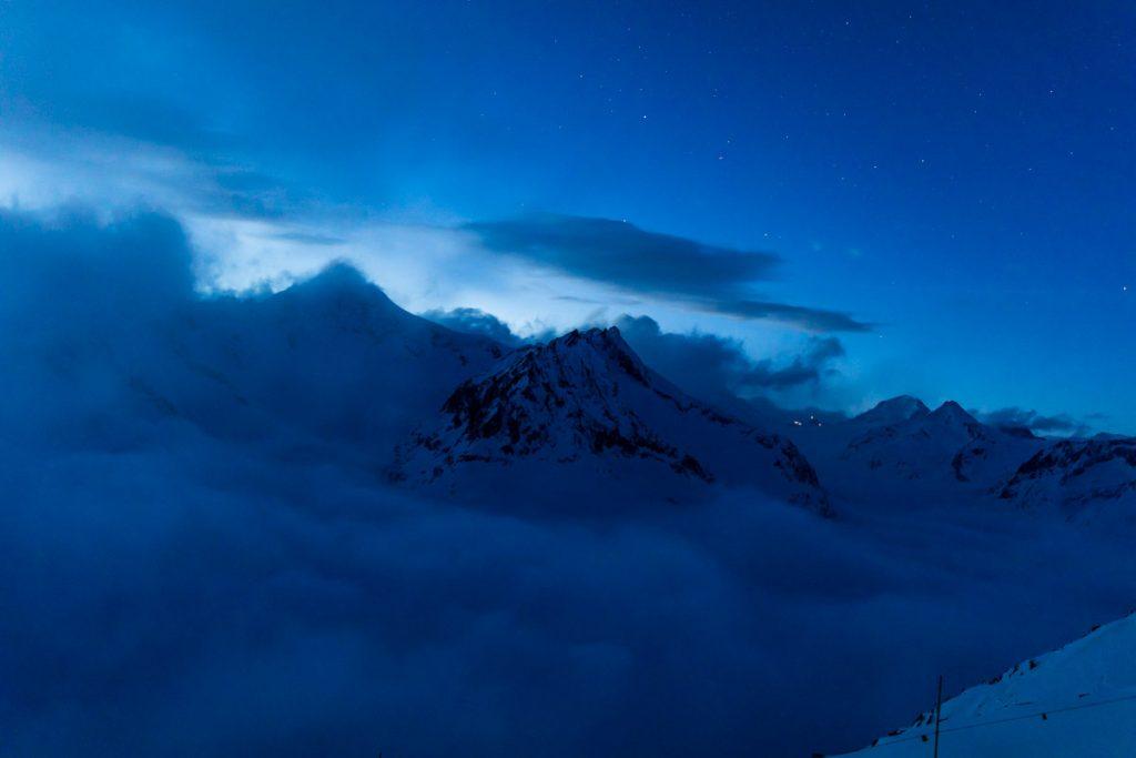 Blaue Stunde über dem Eggishorn.