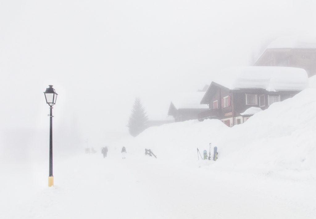 Schneemassen im Dorf