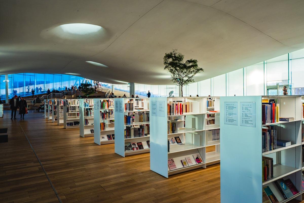 Innenansicht Bibliothek Oodi