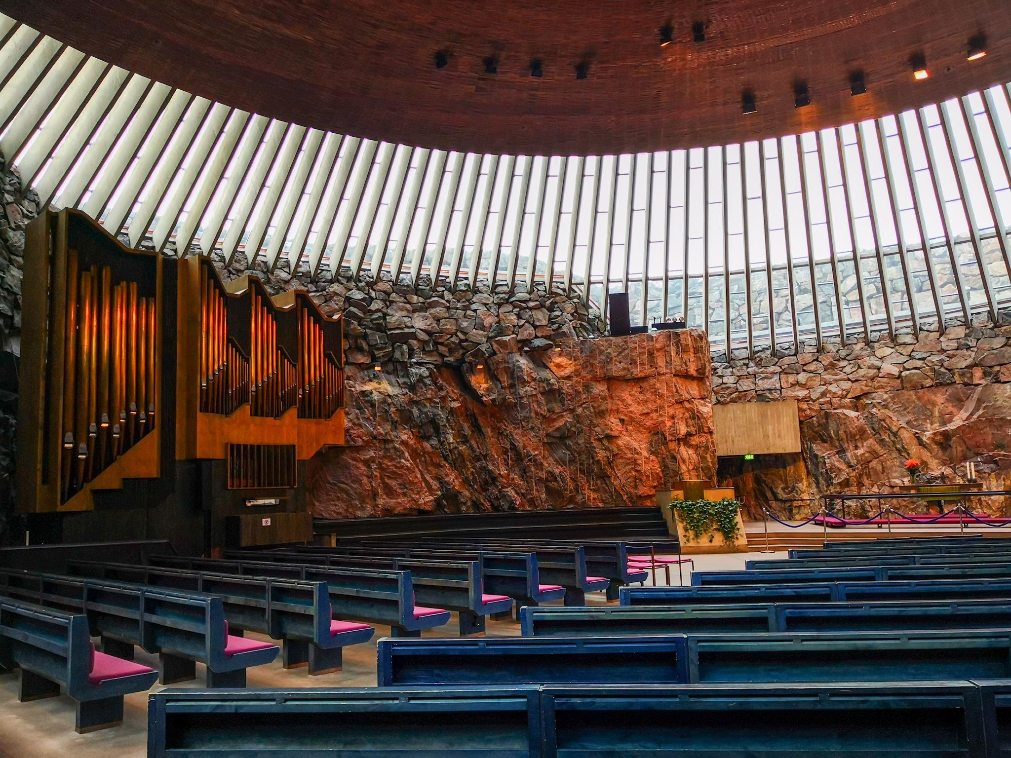 Kirche aus Stein - die Felsenkirche in Helsinki