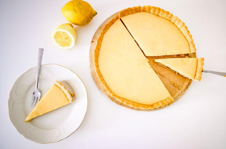 Zitronen-Tarte Kuchenstück