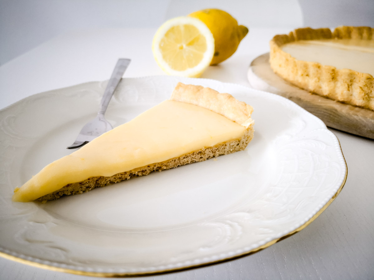 Zitronen-Tarte Stück