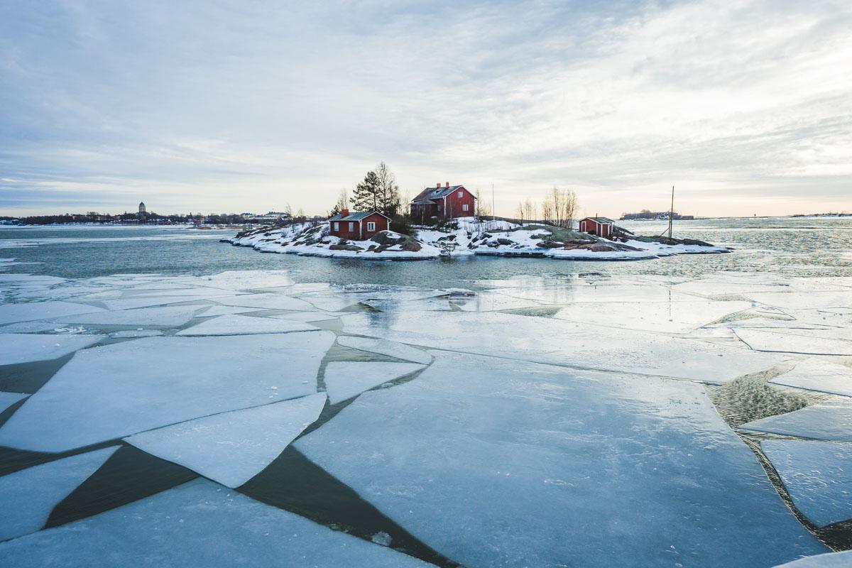 Insel zwischen Eisschollen