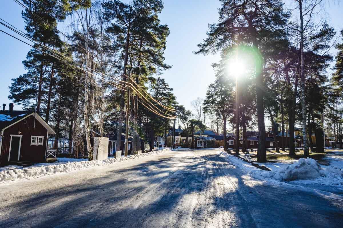 Straße in Nauvo Finnland
