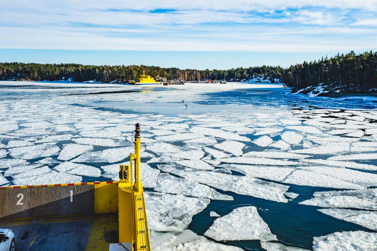 Eisschollen auf Wasser