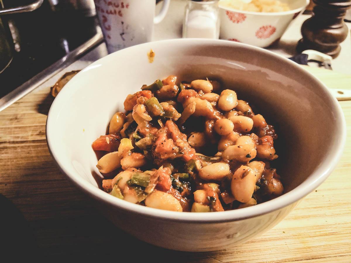 Weiße--Bohnen-Salat